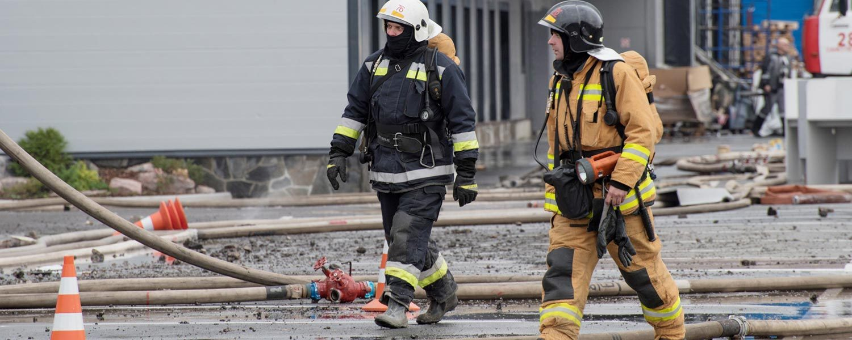 fire-flame-emergency-house-blaze-loss-smoke-danger-person-safety-building-burn-burning-firefighter_t20_nod0OK